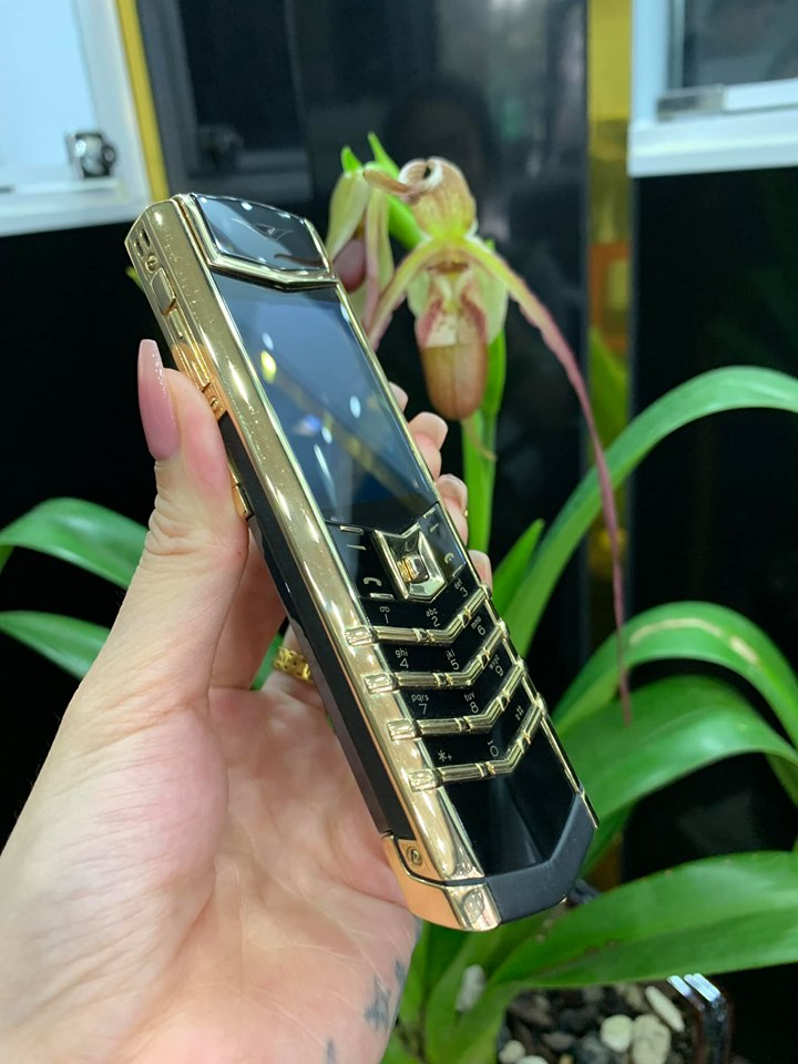 Vertu Signature S Yellow Gold 3879